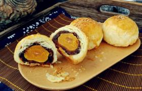 月饼和蛋黄酥哪个热量高
