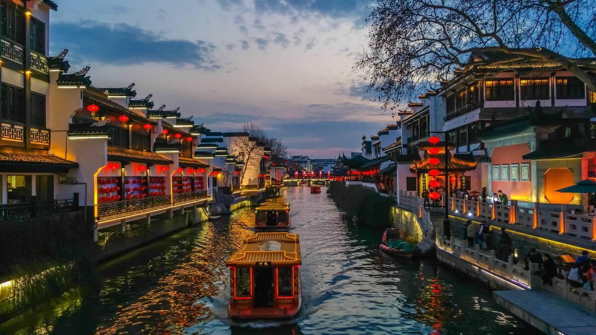 国内旅游哪里好玩(中国最值得游玩的15大景区)