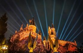 北京环球影城灯光秀如何能在前排