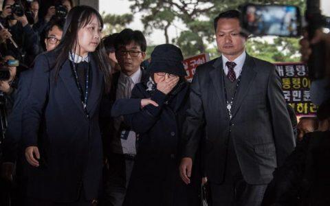 朴槿惠闺蜜称在看守所被性骚扰 主要是什么原因导致的